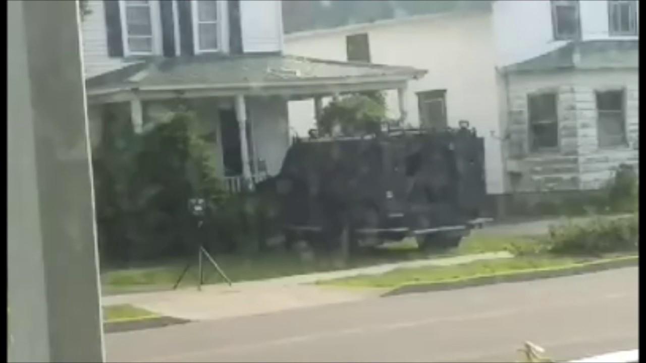 Police ram through Massena, NY home during drug raid - YouTube