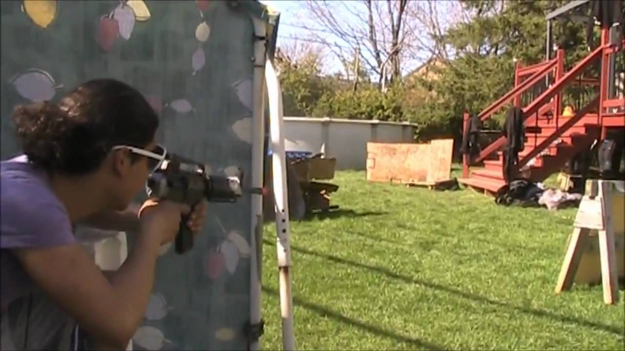 Airsoft Backyard Battle War : Player In Action : Mouki / M ...
