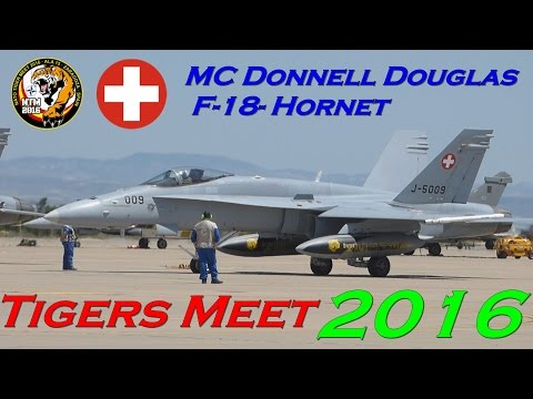 Avión McDonnell Douglas F/A-18 Hornet. Fuerza Aérea Suiza. Full-HD.