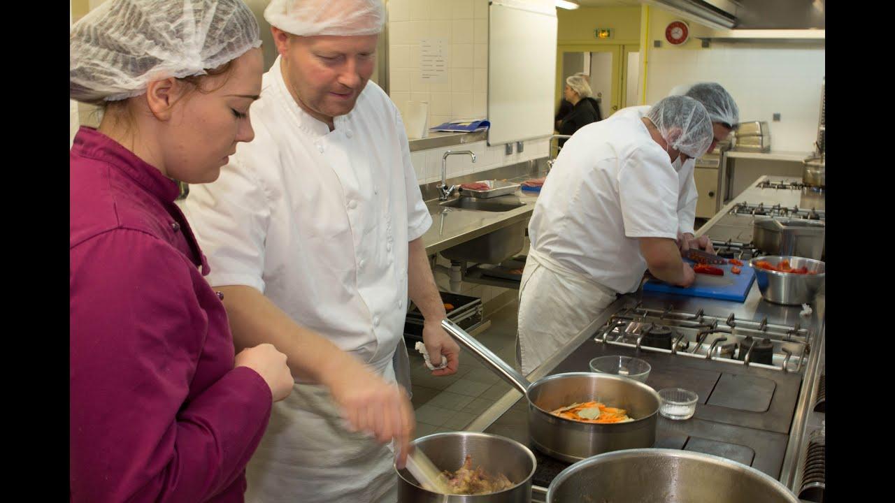 Formation cuisinier gestionnaire de collectivit s youtube for Cuisinier collectivite 86
