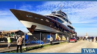 Le yacht de 44 mètres de Couach mis à l'eau !