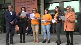 Manifiesto y minuto de silencio en la UAL contra la violencia de género