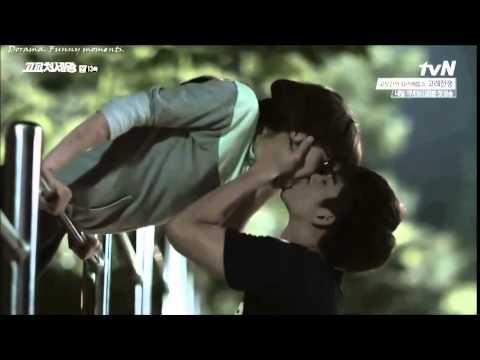 видео школа поцелуй геев