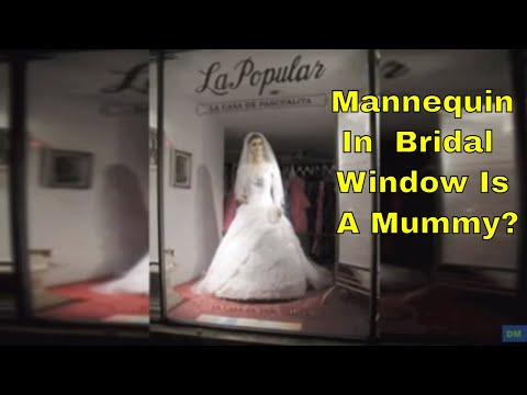 mannequin-in-bridal-shop-window-is-really-a-mummy?