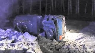 Бешеное колесо от фуры опрокинуло бензовоз