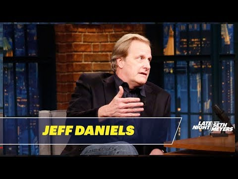 Jeff Daniels Explains the Challenges of Horseback Riding with One Arm
