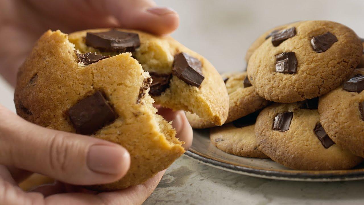 Американское ПЕЧЕНЬЕ с шоколадом КУКИС 🍪 Вкусно! Очень просто! 👌 Готовим вместе с Лизой Глинской 😋