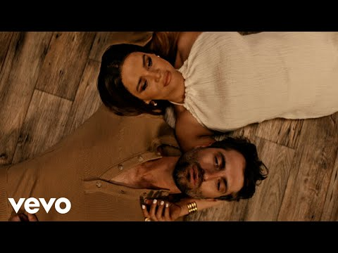 Смотреть клип Ryan Hurd, Maren Morris - Chasing After You