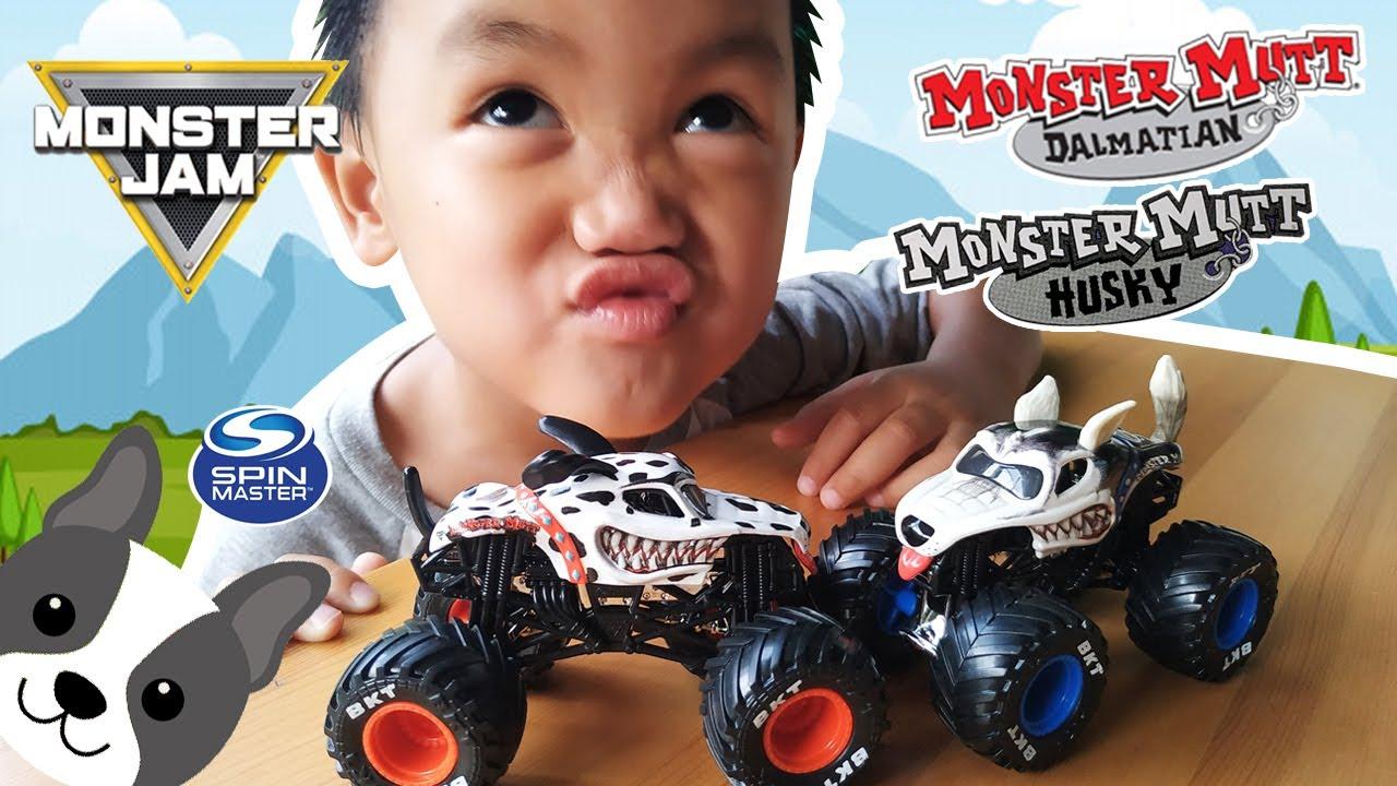 Monster Jam Spin Master Monster Mutt Dalmatian and Husky