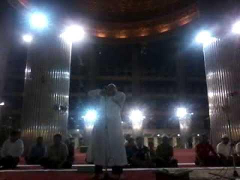 Azan maghrib di Masjid Istiqlal Jakarta, Tabarakallaah....