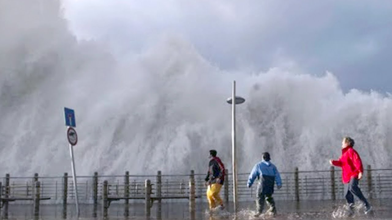 15 Biggest Rogue Waves In The World