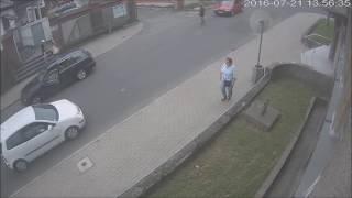 Quando um motorista brigão encontra um cara doido... thumbnail