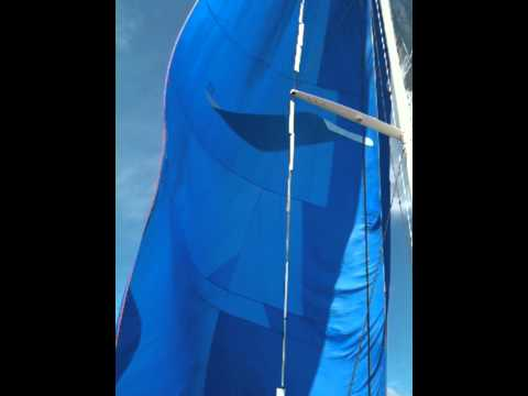 Rotating foils on Yacht Rigging - Gybe