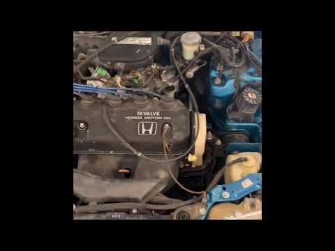 1991 Honda CRX alternator removal and installation done easy
