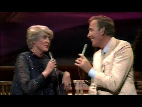 Gloria Hunniford joins Val Doonican