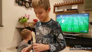 Ростик учится играть на флейте