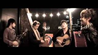 Mumford & Sons - Winter Winds (Ray Ban Balcony Sessions)