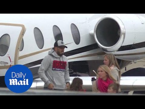 Luis Suarez arrives in Rosario ahead of Messi's wedding - Daily Mail