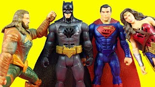 Justice League Movie Collection DC Interactive Talking Heores Batman & Wonder Woman Toy Review