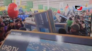 جذب المئات من «المتسوقين الجياع» في يوم «الجمعة السوداء» بولاية دالاس