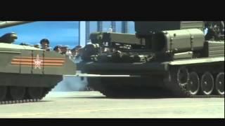 Заглохший на Красной площади во время репетиции парада танк
