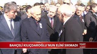 Bahçeli Kılıçdaroğlu'nun Elini Sıkmadı
