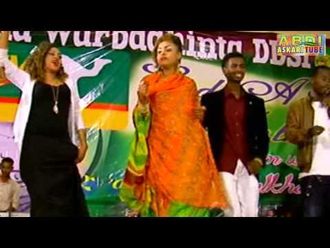 Hinda Happy - Muqaal Cusub - Performing Live On Stage - ESTV EID Party 04 Oct 2014 | HD