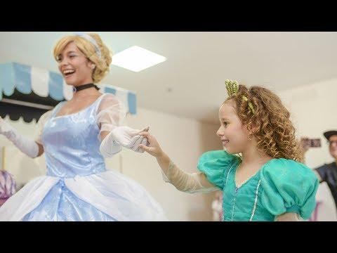 VALENTINA NO CH脕 DAS PRINCESAS Ariel,Cinderela,Elsa,Rapunzel,Branca de Neve e Aurora