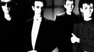 Bauhaus - The Three Shadows 1, 2, 3 - Subtitulos español