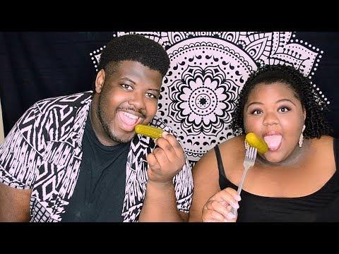 Pickle ASMR Eating Sounds 👅 Big Crunch😻 Intense (ASMRTheChew Inspired)
