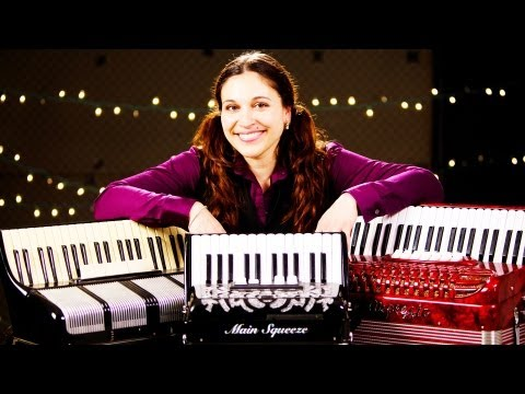 4 Accordion Buying Tips | Accordion Lessons