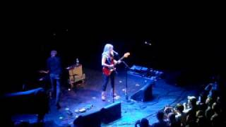 "Liz Phair - ""Nashville"" / ""Fuck and Run"" + Ted Leo"