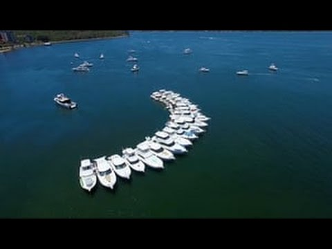 World Record Riviera raft up in Western Australia as R Marine Perth spreads Christmas cheer