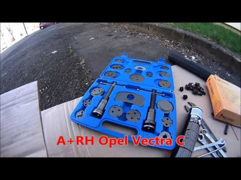 Replacing the rear brake pads in Opel Vectra C