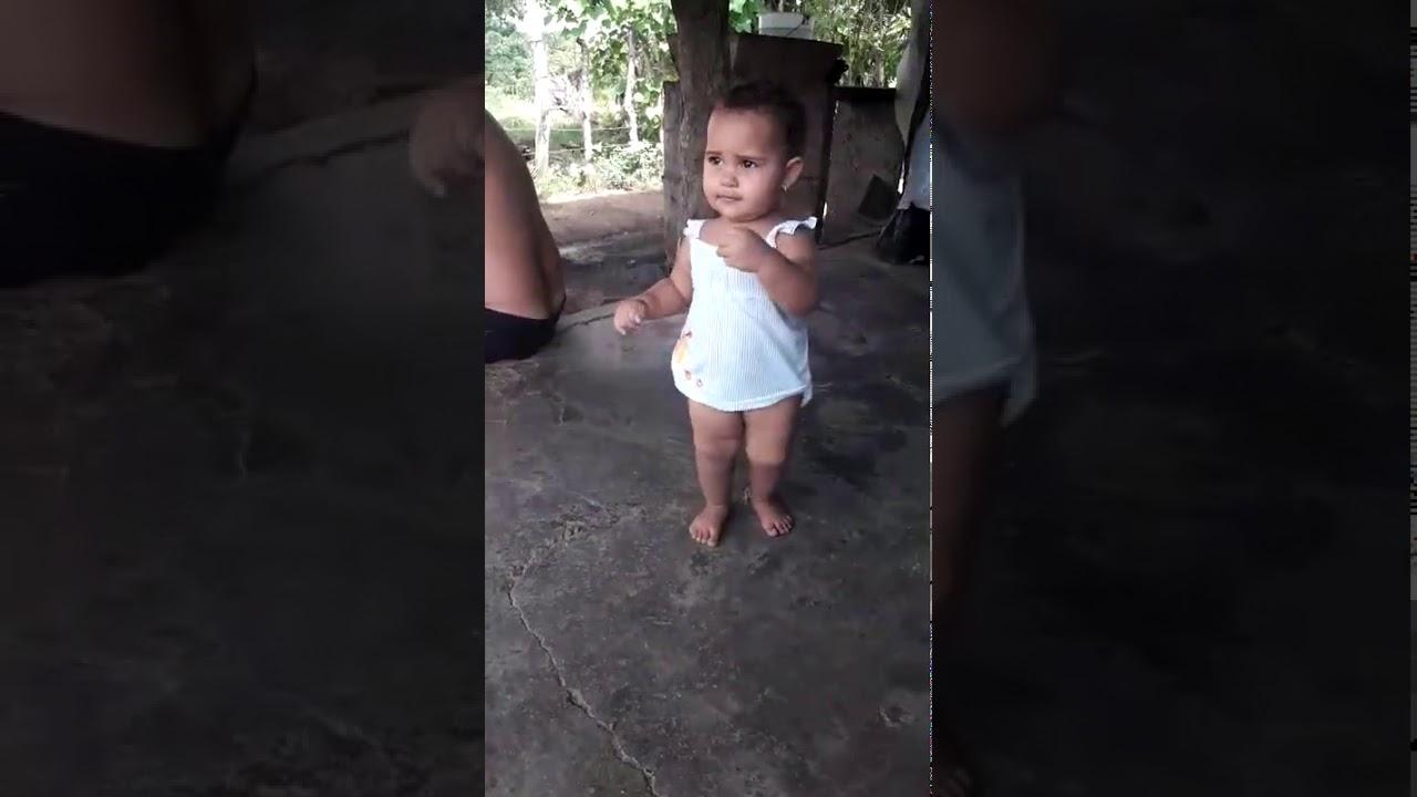 Bebeluşul care întrece orice aşteptări în materie de dans!