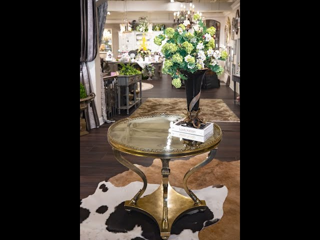 The Finishing Touches: Foyer Table Home Decorating Ideas