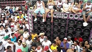 Pesadelo Sound acabando com os Xclusive no Mega Space 18/03/2012