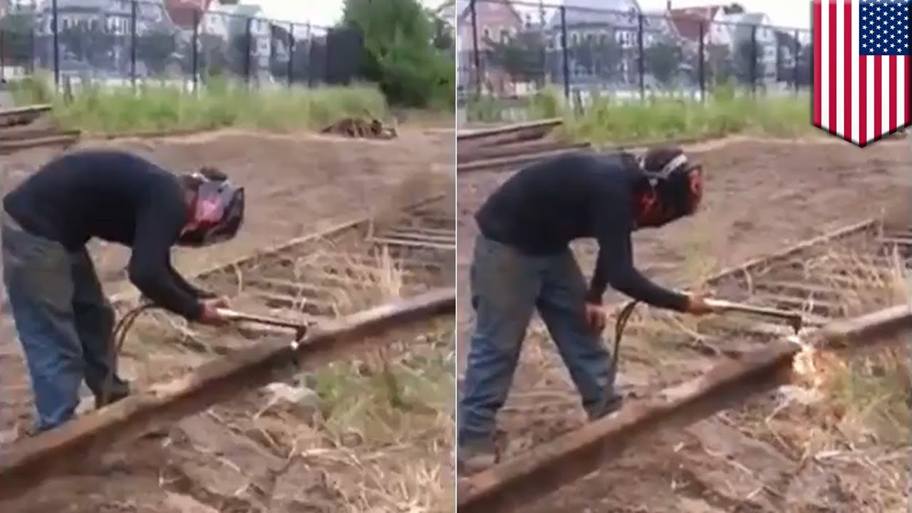 Construction worker gets his cock swallowed 7
