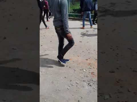 The students of degree collage bemina in Srinagar clashed with police