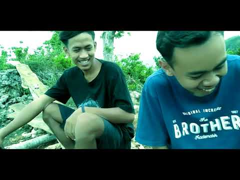 VLOG 2 Membuat Angkruk ||GAZEBO (coro Official)