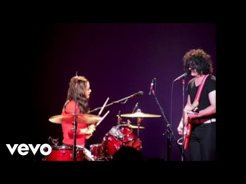 The White Stripes - Ball and Biscuit (Live at Shibuya-AX, Tokyo, Japan - 10/22/2003)