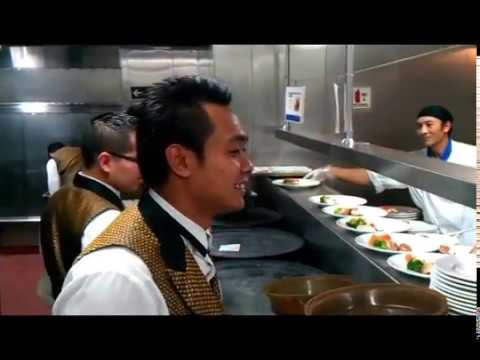 Job Waiter/Waiterss and Cook in Cruise