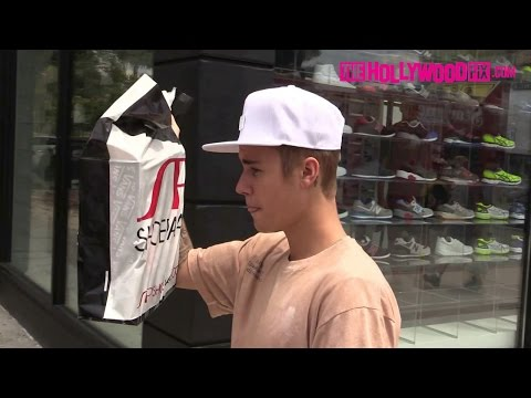 Justin Bieber Shops At Shoe Palace On Melrose Ave. 7.19.15 - TheHollywoodFix.com (EXCLUSIVE)