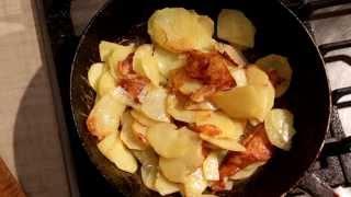 Картошка жареная на сковородке