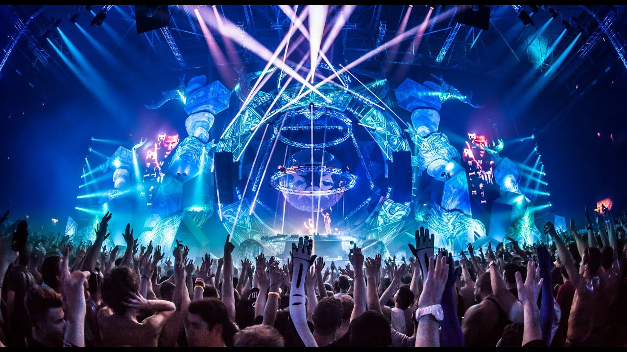 anyone else thinks that the qlimax stage light show this year was pretty weak hardstyle. Black Bedroom Furniture Sets. Home Design Ideas