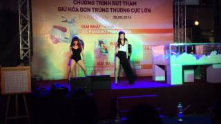 Hey Boy- Đông Nhi (live at Parkson Flemington-30/8/2014) thumbnail