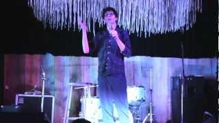 Simon Amstell - Brooklyn Warm Up