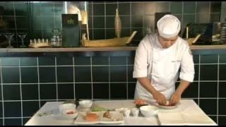 Приготовление роллов Калифорния с креветкой(Шеф-повар сети ресторанов «РИС», Юрий Ким, дает мастер-класс по приготовлению роллов Калифорния с креветкой..., 2011-10-27T14:37:19.000Z)