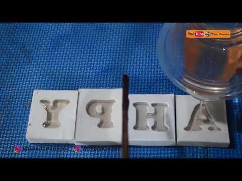 Mencetak huruf dari resin dengan cetakan silikon