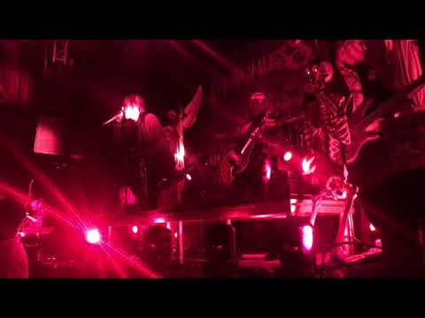Motionless in White- Burned at Both Ends (Graveyard Shift Tour 10-8-17)